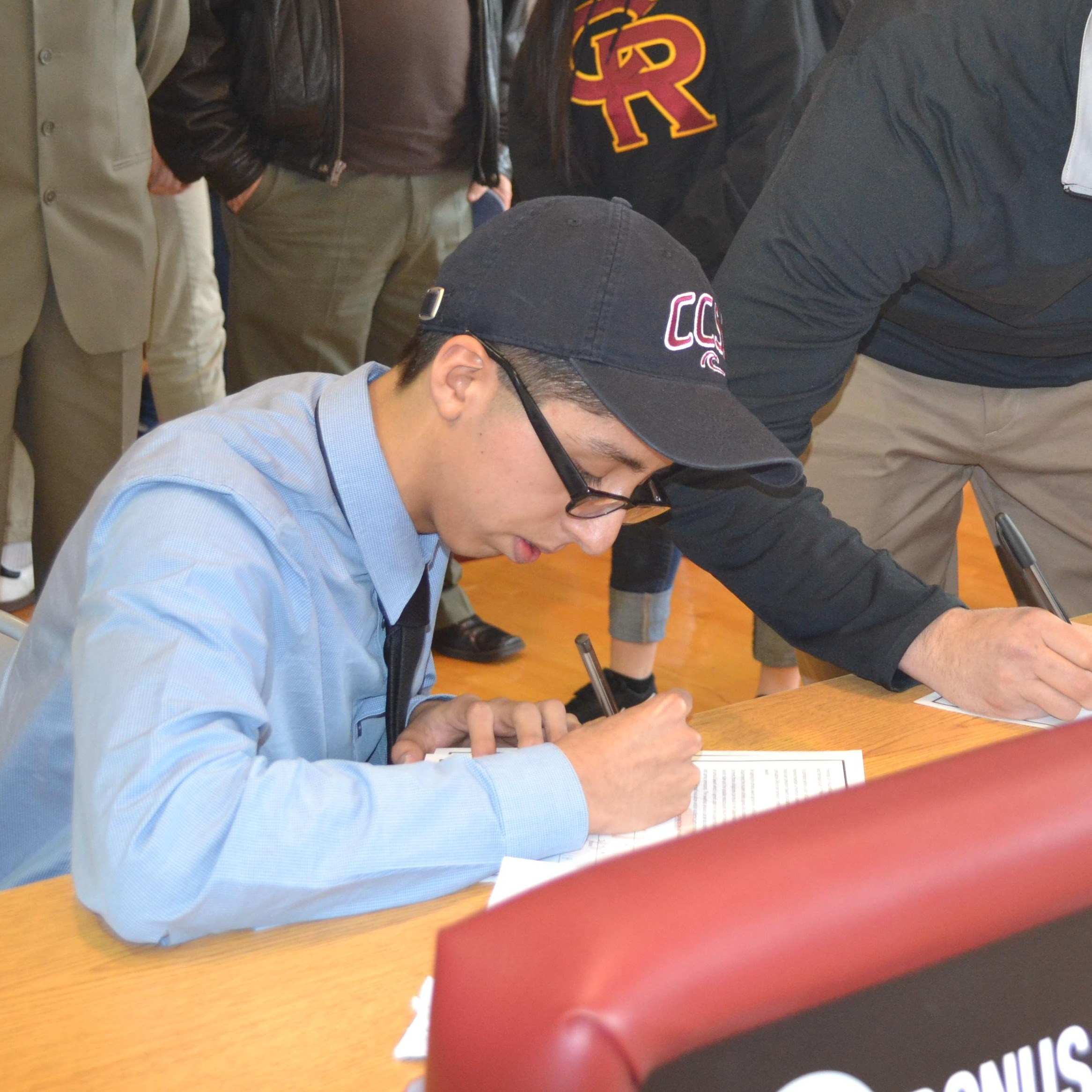Senior Signs with Calumet College